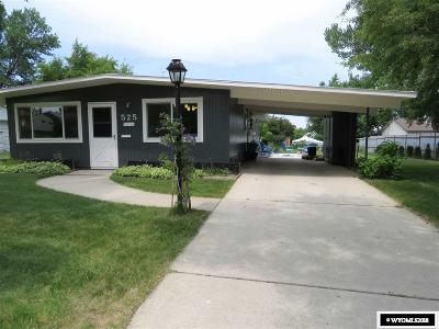 Lander Single Family Home For Sale: 525 Bellvue