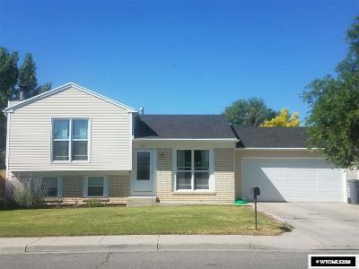 Green River Single Family Home For Sale: 1700 Massachusetts
