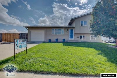 Casper WY Single Family Home Pending-Continue To Show: $210,000