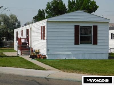 Green River Single Family Home For Sale: 709 Wilderness