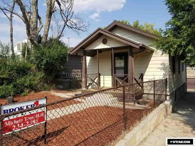 Casper WY Single Family Home Pending-Continue To Show: $120,000