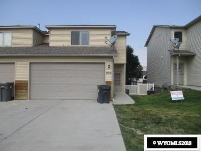 Rock Springs Single Family Home Pending-Continue To Show: 852 Blue Sage