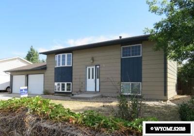 Single Family Home For Sale: 2755 Cherokee