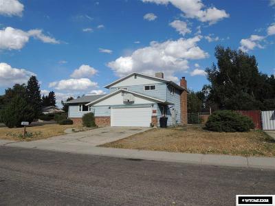 Casper Single Family Home For Sale: 1501 Manor