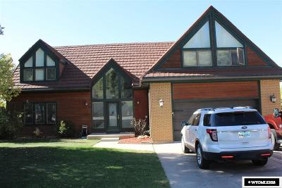 Evanston Single Family Home For Sale: 140 Apache