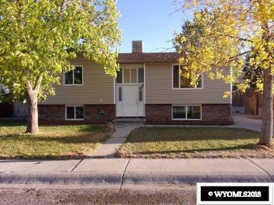 Green River Single Family Home Pending-Continue To Show: 1605 S Riverbend