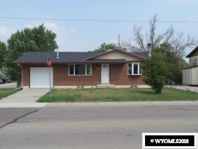 Evansville Single Family Home For Sale: 467 N Curtis