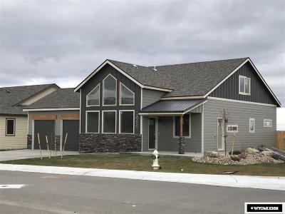 Casper Single Family Home For Sale: 3690 Dancing Wolf Dr.