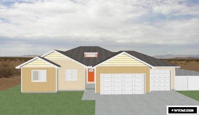 Rock Springs Single Family Home Pending-Continue To Show: 3720 Harrier