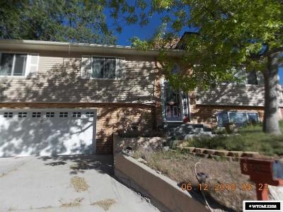 Green River Single Family Home For Sale: 810 Hillside