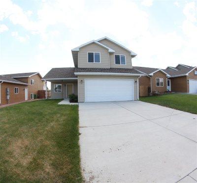 Buffalo Single Family Home For Sale: 21 Harmony