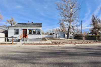Casper Single Family Home Pending-Continue To Show: 909 N Lincoln