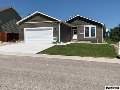 Glenrock, Alcova, Casper, Douglas, Evansville, Bar Nunn, Midwest Single Family Home For Sale: 910 Flicker