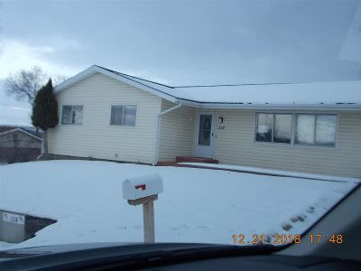 Rock Springs Single Family Home For Sale: 228 Cherokee