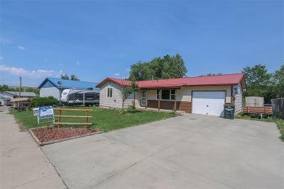 Glenrock Single Family Home For Sale: 218 Overland