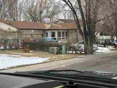 Green River Single Family Home For Sale: 415 Knotty Pine