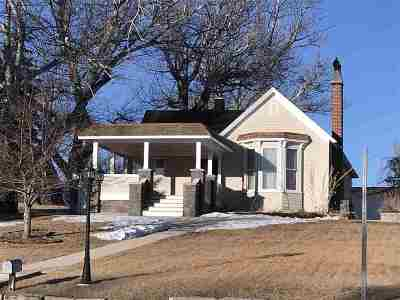 Single Family Home For Sale: 350 S Main