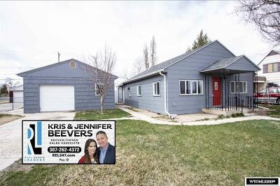 Casper Single Family Home For Sale: 142 N Lennox