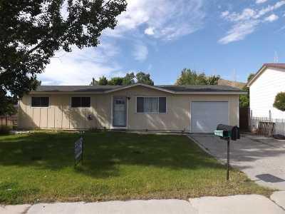 Green River Single Family Home For Sale: 230 Elm