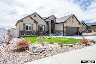 Rock Springs Single Family Home For Sale: 3220 Homestead