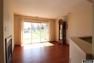 Lander Single Family Home For Sale: 180 Chase