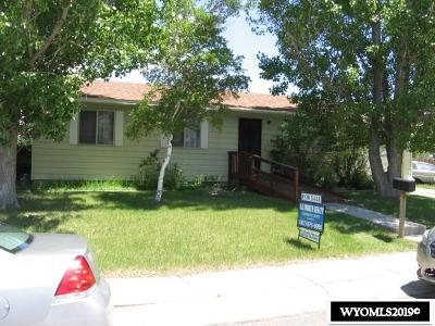 Green River Single Family Home Pending-Continue To Show: 1430 Butte