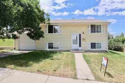 Casper Single Family Home For Sale: 208 Harden