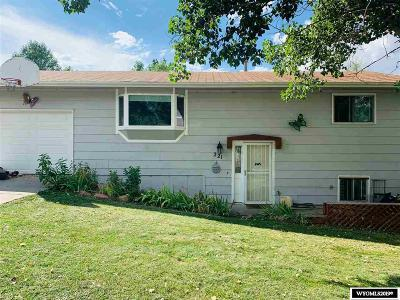 Glenrock Single Family Home For Sale: 221 California