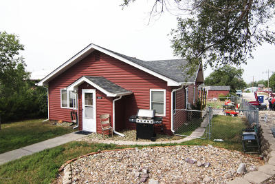 Moorcroft Single Family Home For Sale: 300 Little Horn Ave South