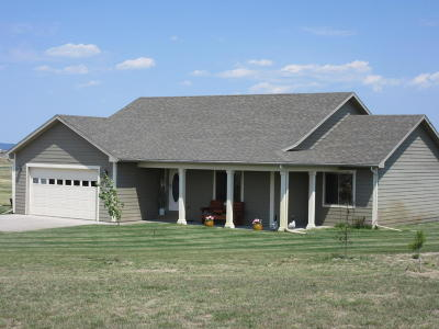 Moorcroft Single Family Home For Sale: 10 Fairview Ct.
