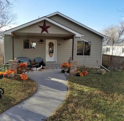 Moorcroft WY Single Family Home For Sale: $199,000