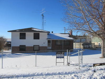 Moorcroft WY Single Family Home For Sale: $104,000