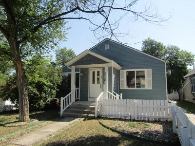 Single Family Home For Sale: 909 Warren Ave S