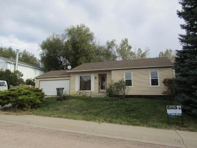 Gillette Single Family Home For Sale: 710 Beaver Dr
