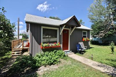 Moorcroft Single Family Home For Sale: 104 N Belle Fourche Ave