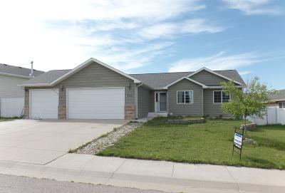 Gillette Single Family Home For Sale: 648 Lakeland Hills Dr