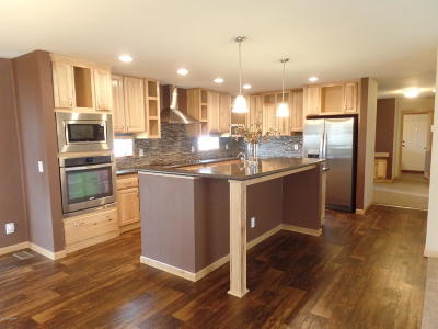 Gillette Single Family Home For Sale: 2503 N Midday Ct