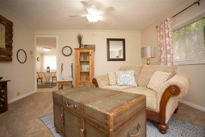 Laramie Single Family Home For Sale: 409 S Cedar