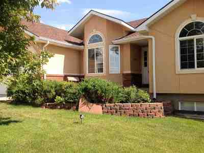 Single Family Home For Sale: 3310 Hayford Ave.