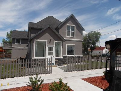 Laramie WY Single Family Home Sale Pending: $345,000