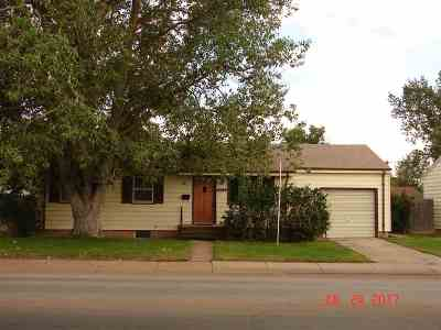 Laramie WY Single Family Home For Sale: $195,000