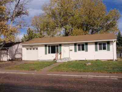 Laramie WY Single Family Home For Sale: $189,000