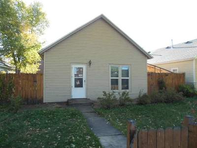 Laramie Single Family Home For Sale: 567 N 6th St.