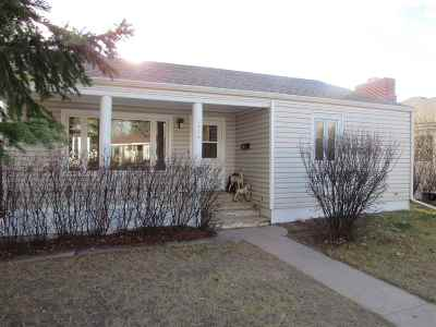 Laramie Single Family Home For Sale: 1926 Thornburgh Dr