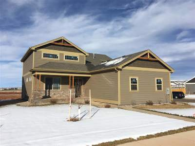Laramie Single Family Home For Sale: 3929 Bobolink