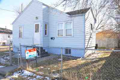 Single Family Home For Sale: 708 Russell Street