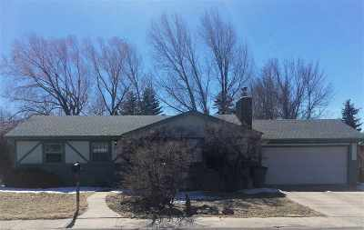 Laramie WY Single Family Home Sale Pending: $218,000
