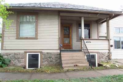 Laramie WY Single Family Home For Sale: $164,450