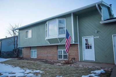 Laramie WY Single Family Home For Sale: $256,000