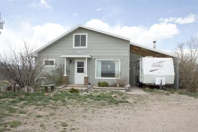 Laramie Single Family Home For Sale: 105 Harmony
